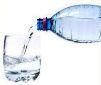foto bottiglia con acqua