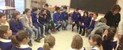 bambini in cerchio in conversazione